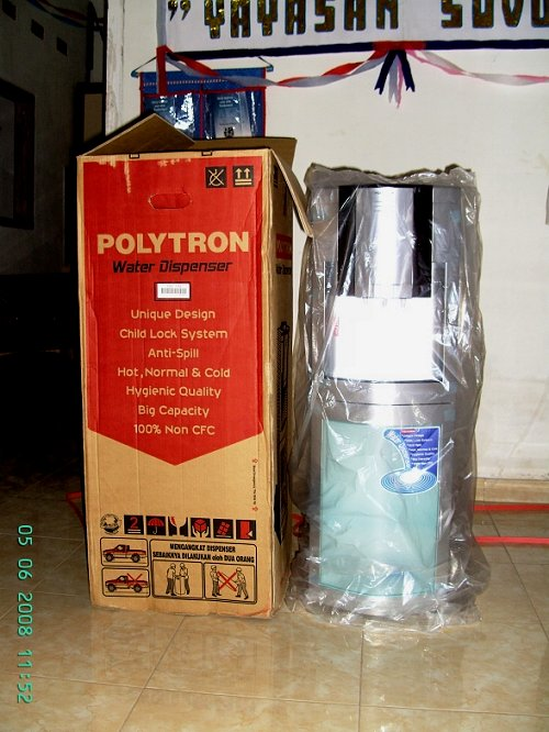 De Polytron water-dispenser.